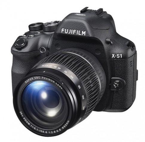 Máy ảnh 'lai' cảm biến CMOS của Fujifilm lộ diện