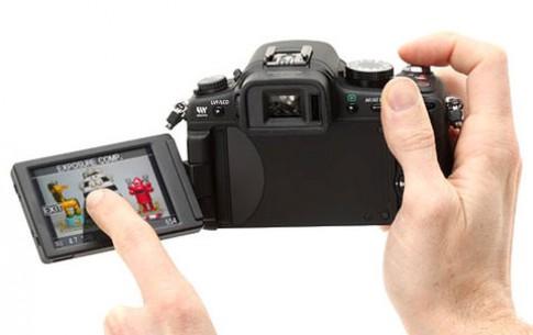 Máy ảnh Micro Four Thirds đầu tiên có màn hình cảm ứng