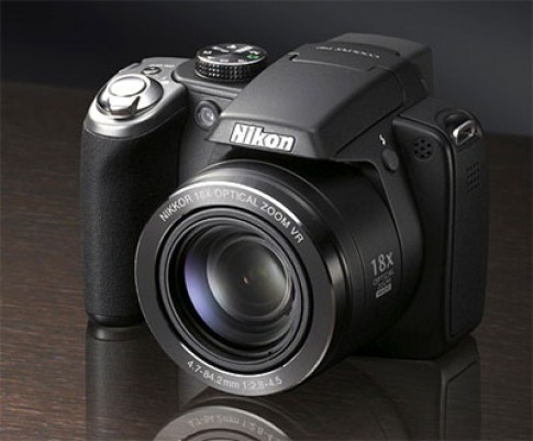 Máy ảnh siêu zoom so tài