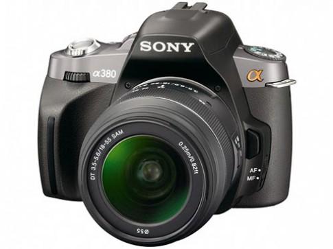 Máy ảnh Sony Alpha và các đối thủ