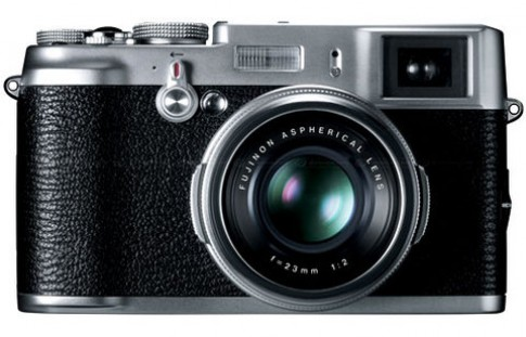 Máy compact 'ruột DSLR' của Fujifilm giá hơn 1.000 USD