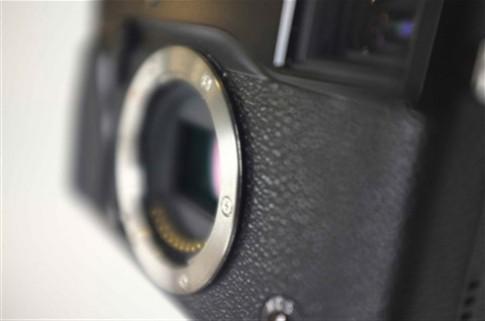 Máy mirrorless mới của Fujifilm xuất hiện