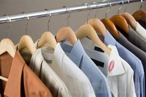 Mẹo: Giúp quần áo không bị nhăn nhúm
