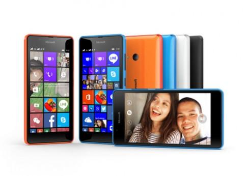 Microsoft ra điện thoại selfie giá 3,5 triệu đồng