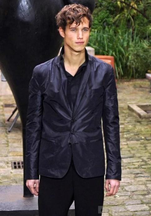 Midnight blue – màu mới cho thời trang nam đông 2012
