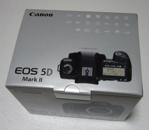 'Mở hộp' Canon EOS 5D Mark II