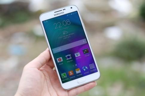 Mở hộp điện thoại Android giá tốt, thiết kế mới của Samsung