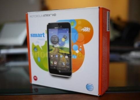 Mở hộp điện thoại Atrix thế hệ 3 của Motorola