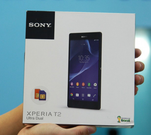 Mở hộp điện thoại Xperia T2 Ultra 2 SIM giá 9,5 triệu đồng