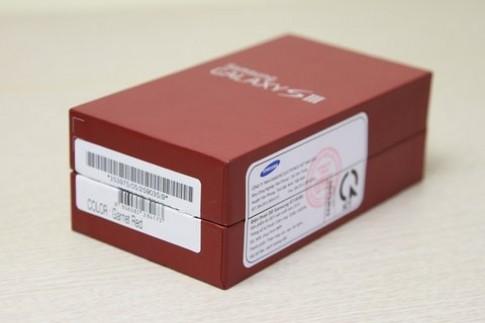 Mở hộp Galaxy S III màu đỏ chính hãng