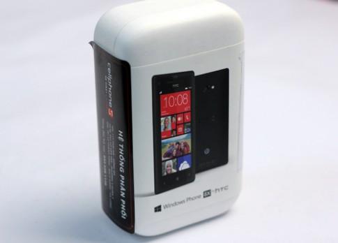 Mở hộp HTC 8X chính hãng