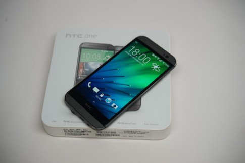 Mở hộp HTC One 2014 tại Việt Nam
