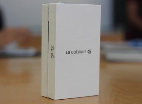 Mở hộp LG Optimus G đầu tiên ở Hà Nội