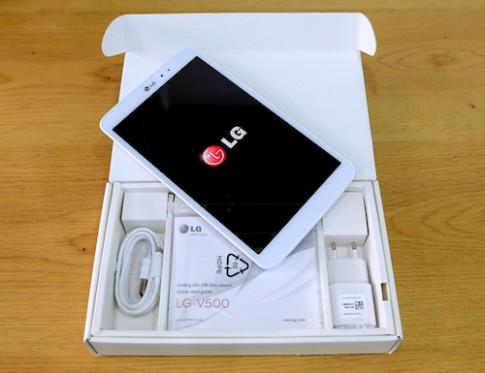 Mo hop may tinh bang G Tablet 8.3 gia 8 trieu dong cua LG