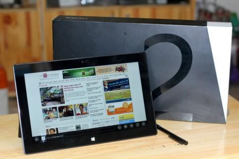 Mở hộp máy tính bảng Microsoft Surface Pro thế hệ 2