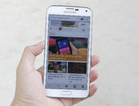 Mở hộp Samsung Galaxy S5 đầu tiên tại Việt Nam