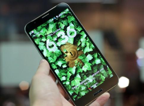 'Mở hộp' smartphone hiệu Sky giống Note 3 và iPhone 5S