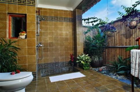 Mở toang phòng tắm