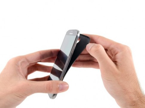 Mổ xẻ Samsung Galaxy S4