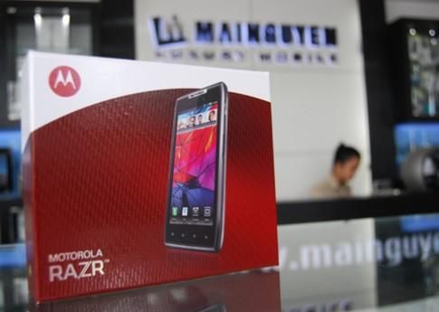 Motorola Razr chính hãng lên kệ