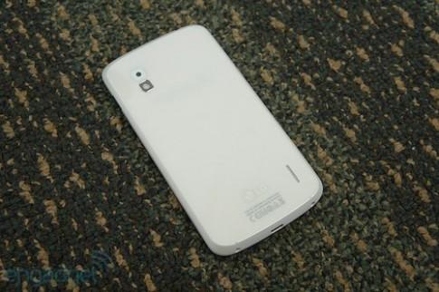 Nexus 4 màu trắng có thể xuất hiện vào tháng 6 với Android 4.3