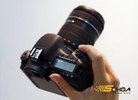 Ngắm Canon 7D ngoài đời