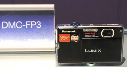 Ngắm máy ảnh màn hình cảm ứng của Panasonic