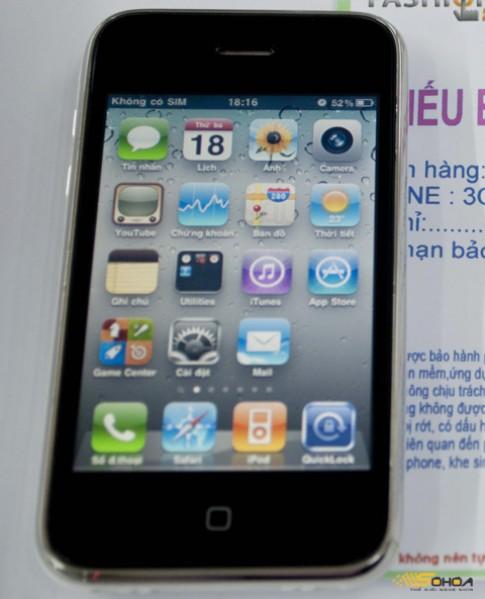 Người mua iPhone 'dựng' được hoàn tiền