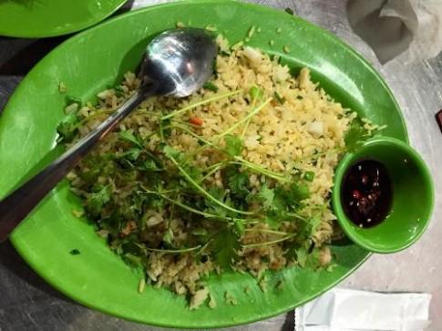 Nhà hàng Nha Trang bị tố 'chặt chém' và hất đồ ăn vào khách