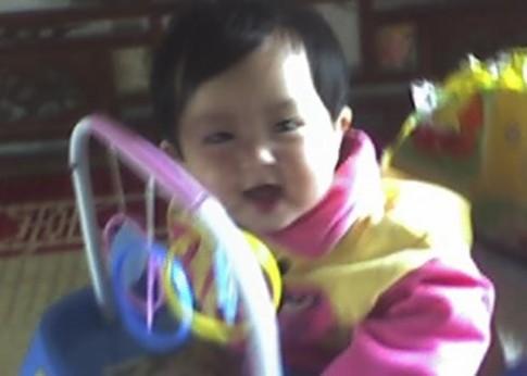 Những bức ảnh bé Ngọc Khánh lớn dần theo năm tháng