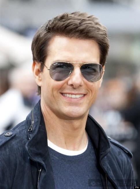 Những kiểu tóc trẻ trung và quyến rũ của Tom Cruise