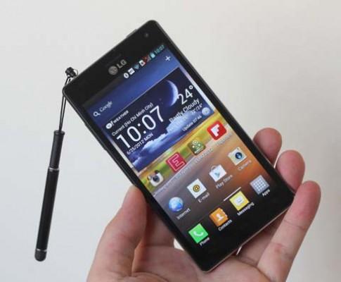 Những smartphone bán tại Việt Nam tháng 8