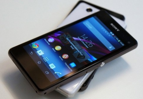 Nhung smartphone dang chu y tai CES 2014