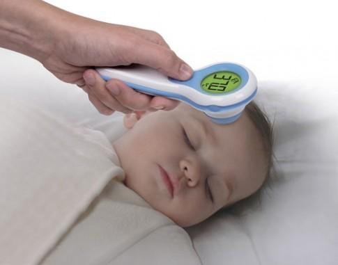 Những thứ không thể thiếu trong tủ thuốc gia đình khi chăm bé