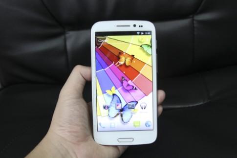 Những 'vũ khí' lợi hại của HKPhone Revo Max
