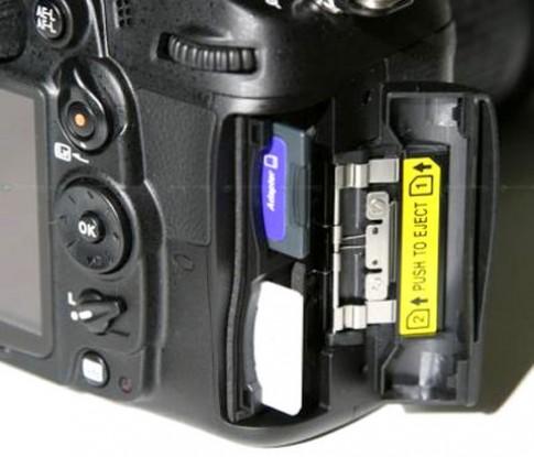 Nikon D7000 là DSLR đầu tiên hỗ trợ thẻ SD chuẩn UHS-I