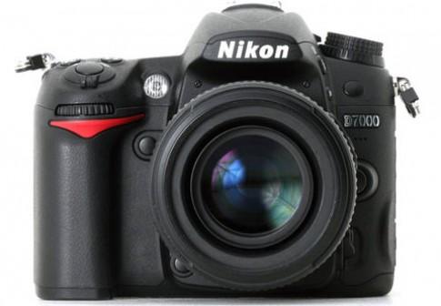 Nikon D7000 - so sánh với các anh em