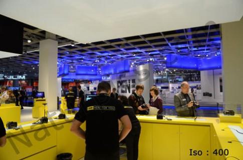 Nikon D7000 trình diễn khả năng khử nhiễu