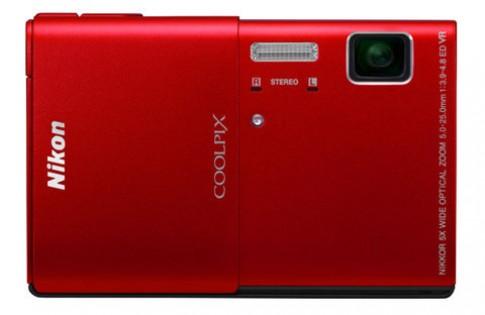Nikon ra 4 máy compact mới, một kiêm máy chiếu