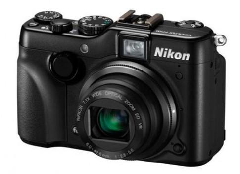 Nikon ra AW100 siêu bền và P7100 cao cấp