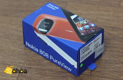 Nokia 808 PureView giá 12,24 triệu đồng