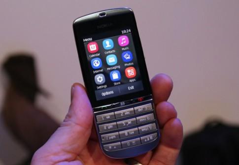 Nokia Asha 300 về VN giá 2,5 triệu