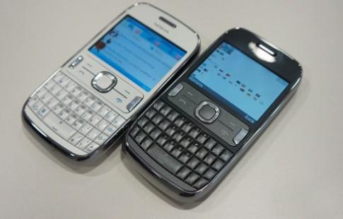 Nokia Asha 302 đã về Việt Nam