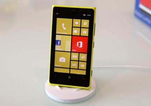 Nokia bán Lumia 920 và 820 ở VN ngay tháng 11