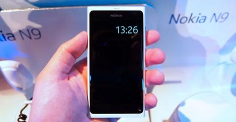 Nokia bán N9 màu trắng tại Phần Lan