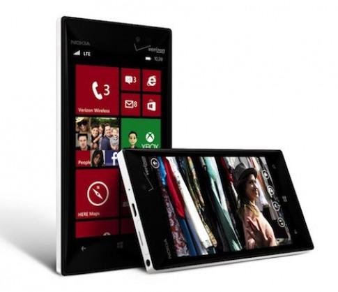 Nokia cho ra mắt Lumia 928 - bản sao của Lumia 920