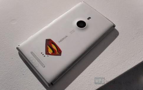 Nokia Lumia 925 có phiên bản 'Siêu nhân'