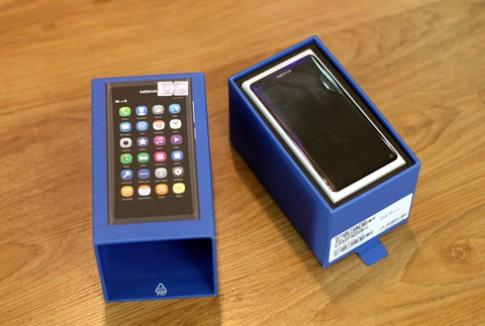 Nokia N9 màu trắng về VN
