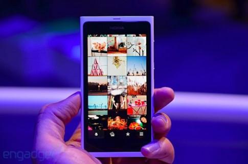 Nokia trình làng N9 màu trắng
