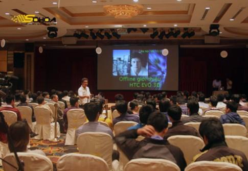Offline trải nghiệm HTC EVO 3D tại HN
